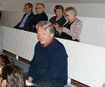 Yleisö odotti malttamattomana konsertin alkamista piipuhyllyllä