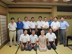 Himeji Minami Lions Clubin j�seni�. Alariviss� oikealla on hostperheeni is�.