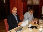 Myös klubin sihteeri vaihtui. Vasemmalla kauden 2020-2021 sihteeri Pentti Ekola ja presidentti Jukka Olander.