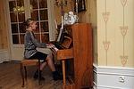 Musiikista huolehti Jenna Lepistö. Hän käy Hakkarin koulua ja siinä ohessa opiskelee laulua ja pianon soittoa.