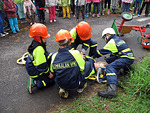 Lempäälän VPK:n nuoret esittelivät pelastustaitojaan.