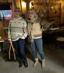 Benita ja Arja lauloivat muuten vaan. Kuva Hannele Johansson