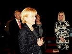 Viime kauden kuvernööri Sini Eloholma muisti klubin viimekautista presidenttiä ansiomerkillä.