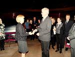 IPDG Sini Eloholma palkitsi viime kauden presidentin Markku Heinaron 100 % presidentin ansiomerkillä.