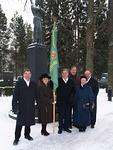 Floorankenttäläisiä kunniakäynnillä olivat Kyösti Pyysalo (vas.), lady Raija Suikkonen, presidentti Simo Pääkkönen, Harri Strömberg sekä lady Jatta ja Antti Tuomikoski. Kuva Jorma Laurila.