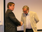 Olli Tiainen esitti kunnioittavan kiitoksen Chevronista. Luovuttajana ZC Kyösti Pyysalo.