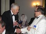 Lion Erkki Pälikkö sai DG Esko Viinikaiselta 50 vuotta toimineen perustajajäsenen ansiomerkin