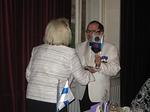 DG Esko Viinikaiselle ojennettiin klubin standaari kiitokseksi hänen henkilökohtaisesta avustaan juhliemme järjestelyissä