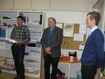 Pres. Jan Weckström/LC Gamlakarleby. Pres Roy Brunell/LC Karleby och klassläraren Sebastian Kainberg-Kutén 8.3.2013
