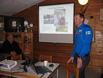Skidlandslagets vallningschef Stefan Storvall berättar om   chefsuppdraget på klubbmötet 10.4.2013 vid Köukar skidstuga.