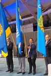 Toiseksi varapiirikuvernööriksi keväällä valittu Jenni Luomala kantoi N-piirin lipun kokoussaliin lauantaina aamulla klo 10.00.