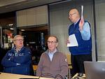 Kouluttaja Thorleif Johansson vierellään LC Vantaankosken veljet Veikko Liinakoski ja Markku Lappalainen.