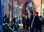 Lionsklubien seppeleen laskivat Pertti Ratia ja Vesa Seppä (LC Hiekkaharju-Sandkulla).<br>