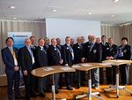 Itämerihaasteen allekirjoittaneet CC Honkala ja 13 piirin kuvernöörit.  Vasemmalla LC Tapiolan presidentti Mika Pirttivaara, ympäristöjohtaja Esa Nikunen ja PDG Tiitus Tuohikorpi.
