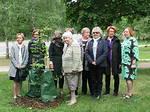 Idea perinnepuun istutuksesta 100-vuotisjuhlallisuuksien kunniaksi lähti LC Helsinki/Viaporista.