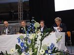 Antti Forsell (vas.) tenttaamassa Liiton varapuheenjohtajaehdokkaita Jukka Kärkkäinen, Pirkko Vihavainen ja Sinikka Uola.