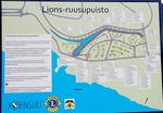 Lions-ruusupuiston opastetaulu.